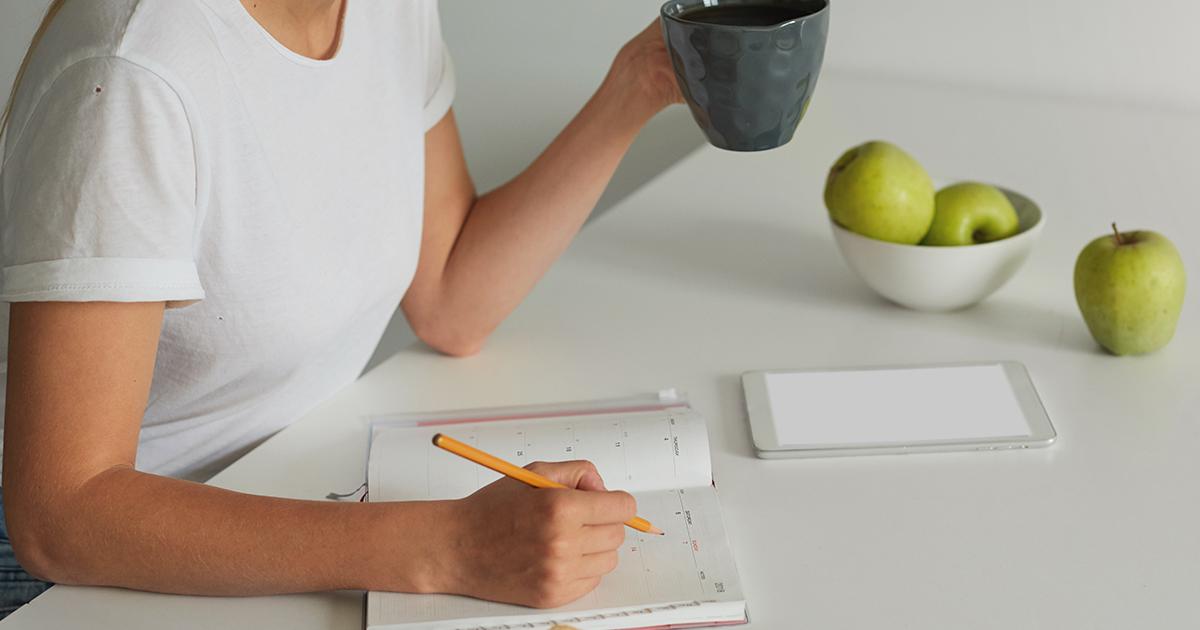 Como criar uma rotina saudável e produtiva para a criação de conteúdo